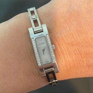 💯 Gucci Diamond & Mother of Pearl Watch
